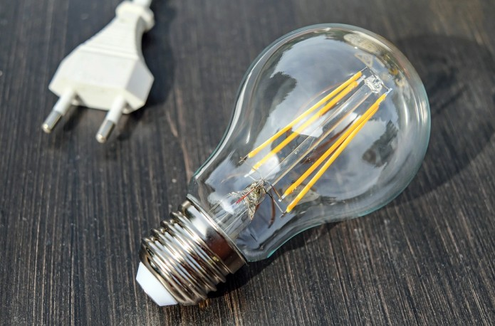 7 TIPS FOR LOWERING ENERGY COSTS