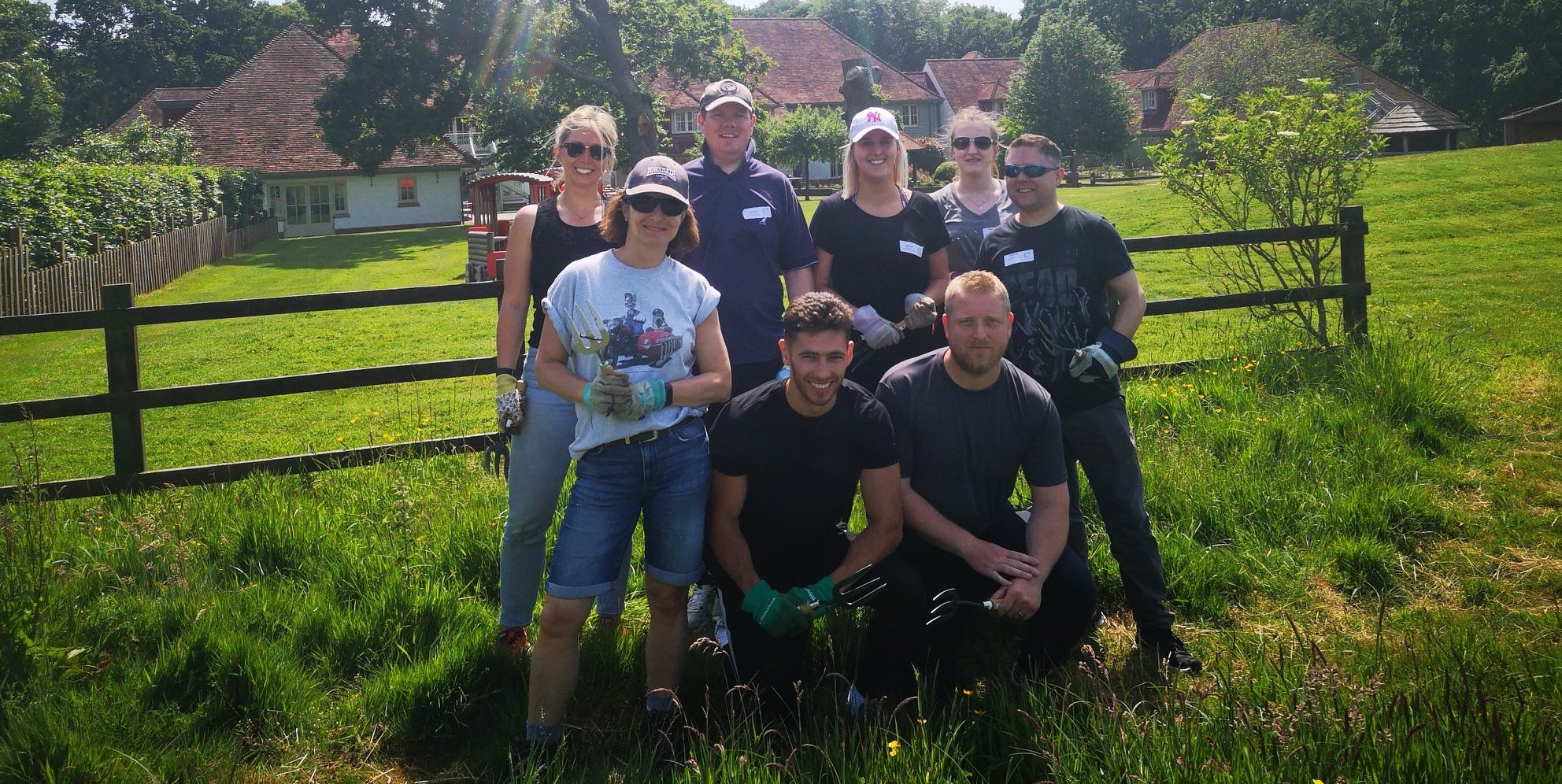 Bennett Christmas get gardening for local children's hospice